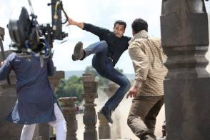 Salman Khan in Action - Behind the Scenes photos