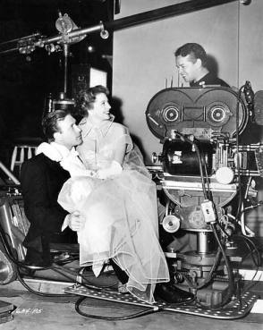 Between Scenes of Shakedown (1950) - Behind the Scenes photos