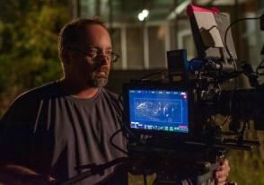 Jeff Cronenweth on set - Gone Girl